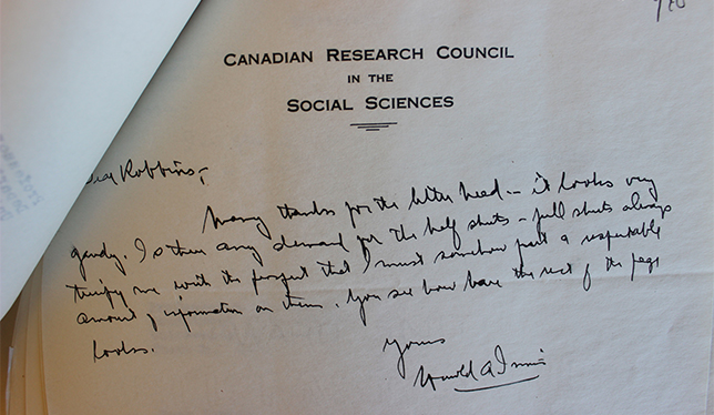 A letter from Harold Innis to John Robbins of the Dominion Bureau of Statistics written shortly after the founding of the Canadian Social Science Research Council in 1940. Photo: Federation for the Humanities and Social Sciences.