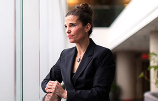 Science minister Kirsty Duncan goes to bat for scientists