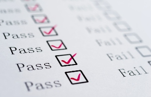 Universities differ on whether a pass-fail grading scheme should be optional